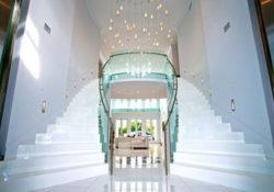 Cách chọn đèn trang trí cho cầu thang thêm đẹp