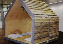 Bất ngờ với những mẫu nội thất đẹp từ gỗ Pallet