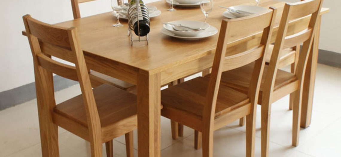 Thả ga lựa chọn bộ bàn ăn gỗ sồi bền đẹp cho gia đình