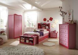 Phòng ngủ sắc hồng siêu đáng yêu cho bé gái