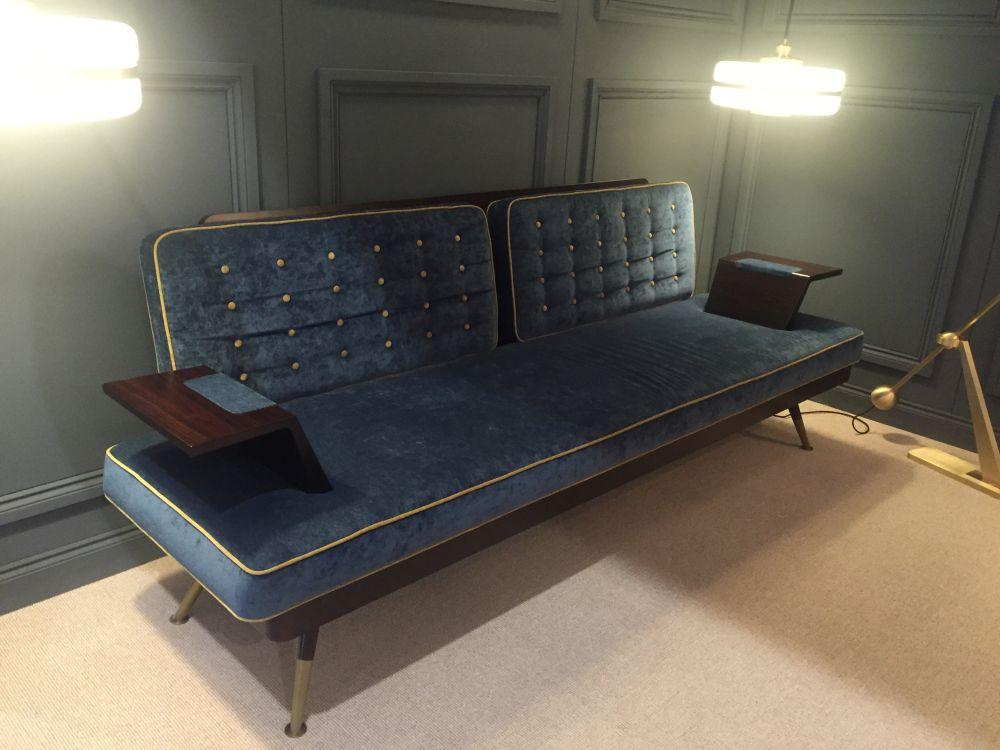 sofa-mau-xanh-duong-1