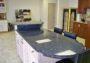 Tại sao Đá granite kim sa lại được lựa chọn ốp mặt bếp