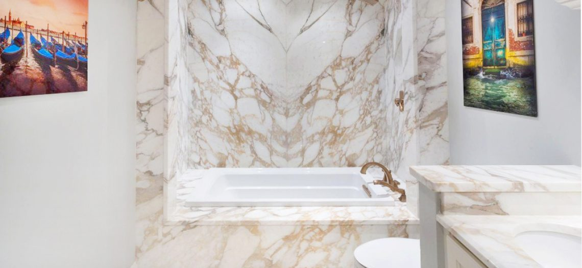 4 lý do để sử dụng gạch đá Marble Calacatta trong phòng tắm của bạn