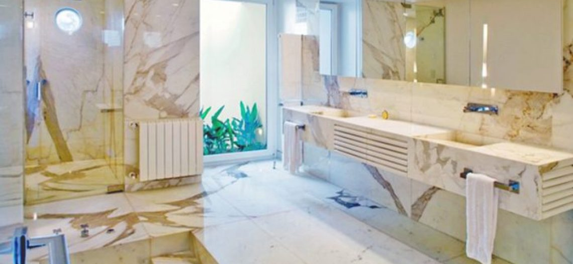 Phòng tắm bằng đá Marble – ý tưởng thiết kế và hướng dẫn bảo dưỡng đá marble