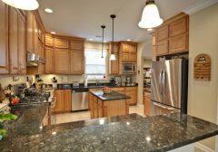 Bí quyết phối màu đá granite đẹp mắt cho bàn bếp