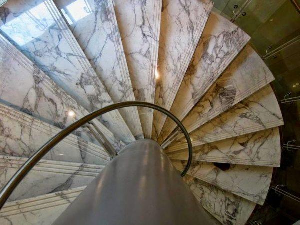 Đá granite ốp cầu thang - nơi đẳng cấp cuộc sống lên ngôi