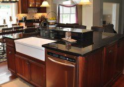 Đá granite đen ánh kim-sự lựa chọn thông minh cho không gian bếp