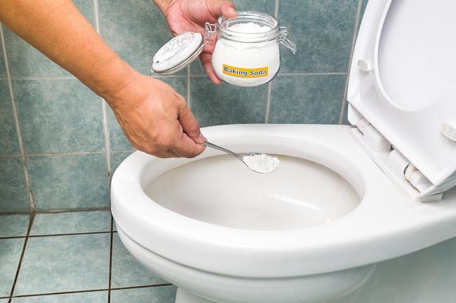 Cách tẩy trắng bồn cầu đã bị ố vàng hiệu quả chỉ trong 5s-04