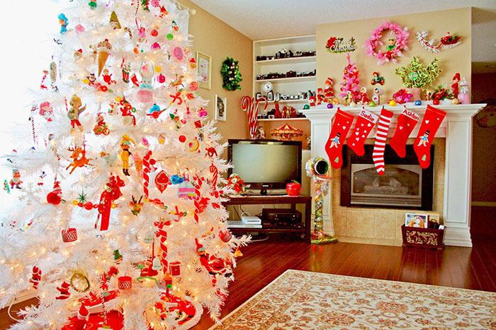 Trang trí phòng khách thổi hồn không khí Giáng sinh